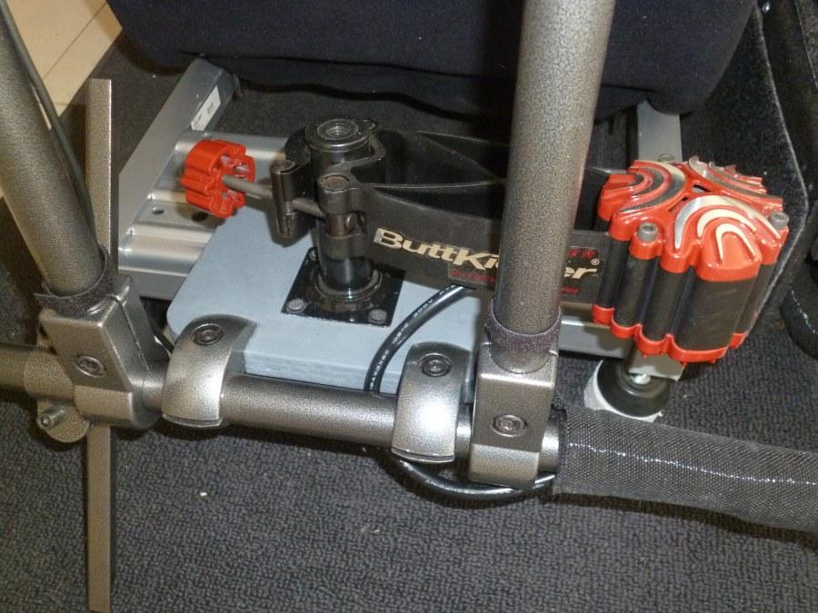 Buttkicker vibrations dans le cockpit pour immersion