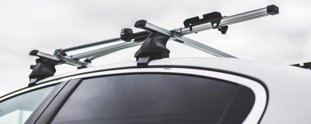 Les équipements pour le portage de coffre de toi et de remorquage pour transporter des affaires ou des vélos